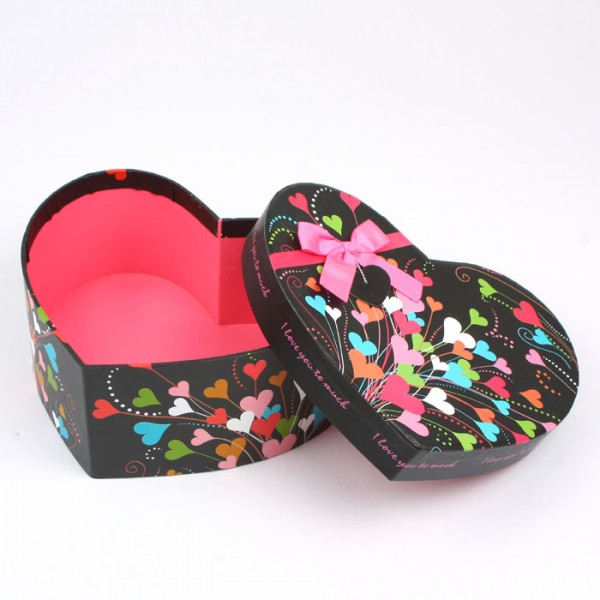 Colorful Heart Shape Gift Box For Packing Valentine's Day Gifts